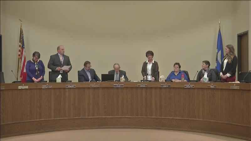 New Duluth school board members sworn in