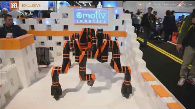 The robo-MANTIS is a new star at the Consumer Electronics Show.