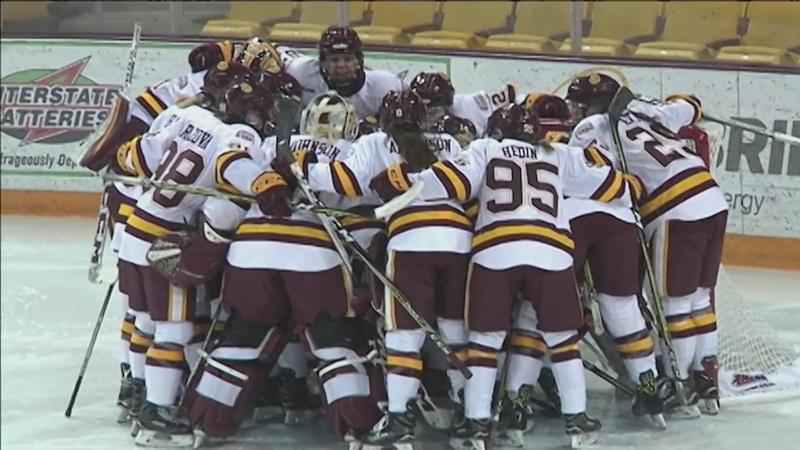 UMD women's hockey.