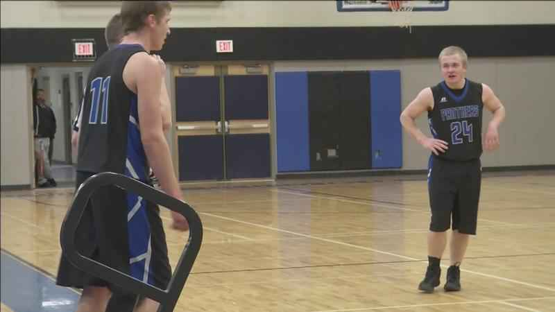 South Ridge Defeats Hill City to Advance in Section 7A Boy's Hoops Tourney