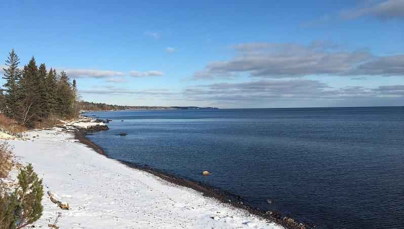 A coalition of Great Lakes advocates is urging Congress to provide funds for cleaning up the region's waters and strengthening its water infrastructure.