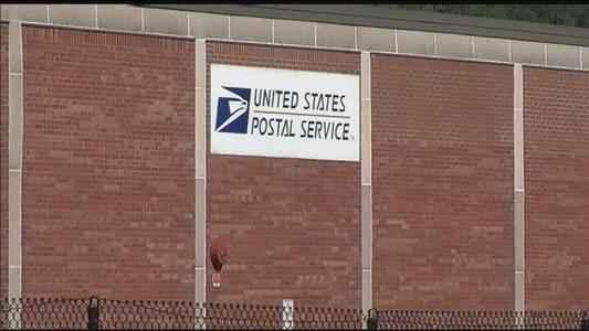 US Postal Service reports $1.3 billion 2nd quarter loss