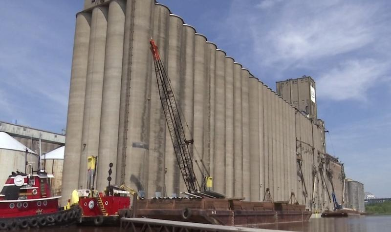 600 feet of new dock is being installed at the CHS grain terminal in Superior.