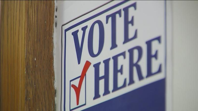 Michigan residents will be able to use the internet to register to vote under laws signed by Gov. Rick Snyder. The laws require the state to�develop an interface so voter registration applications can be submitted on the secretary of state's website.