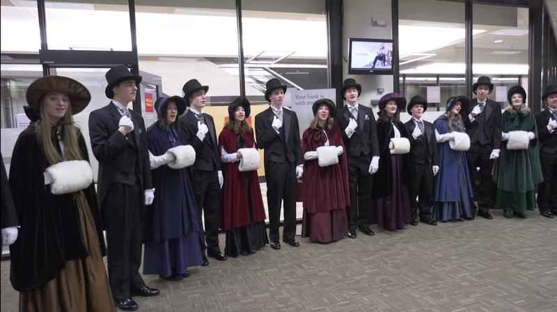Shoppers in the Downtown Duluth skywalk listened to beautiful Christmas carols Thursday.�