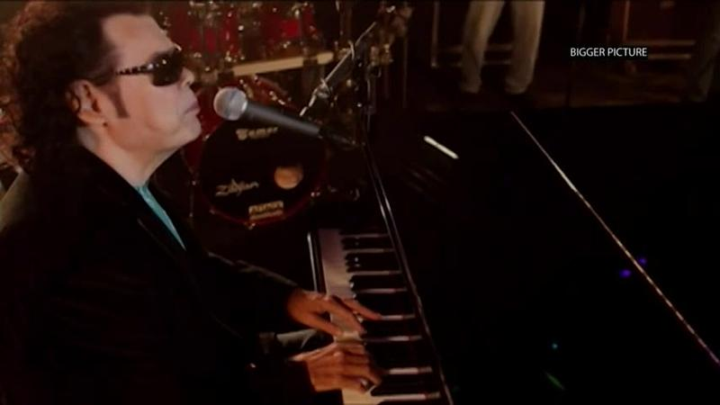 Ronnie Milsap has released a new album featuring duets with 13 guest artists and bands.