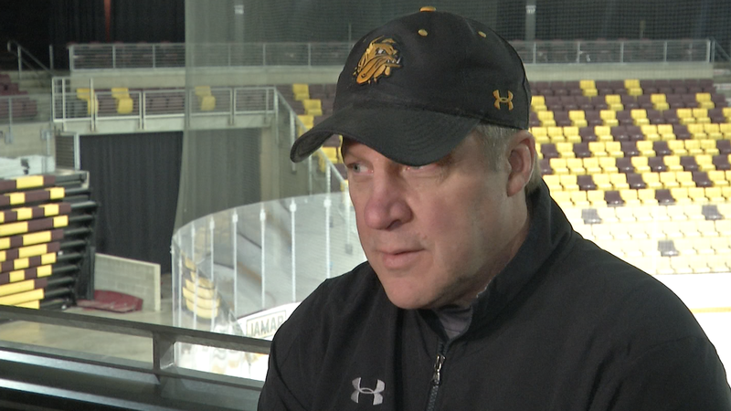 Scott Sandelin has agreed to a contract extension with UMD to remain the men's hockey coach through the 2024-25 season.