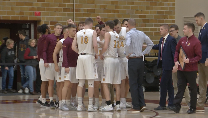 The UMD men's basketball team notched their sixth straight win Friday after defeating Minot State 72-54 at Romano Gym in Duluth.