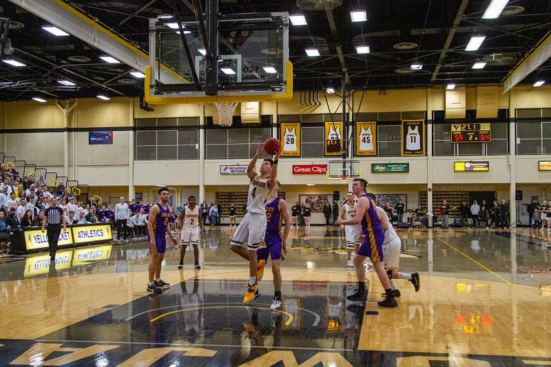 The Yellowjacket men fell to Northwestern 70-64 on Wednesday.